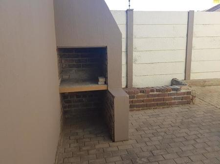 3 Bedroom Townhouse To Rent in Capricorn