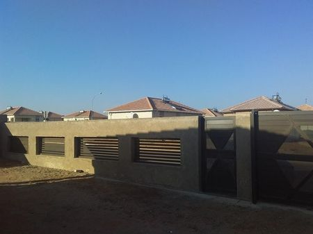 3 Bedroom House To Rent in Southern Gateway