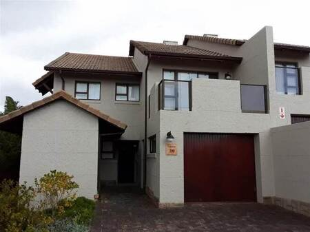 2 Bed House in Mossel Bay Golf Estate
