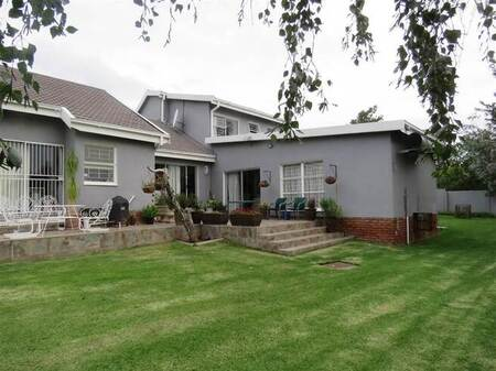 4 Bed House in Kings Hill