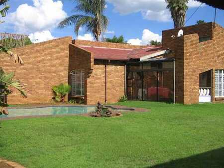 Immaculate family home in an Enclosed Suburb