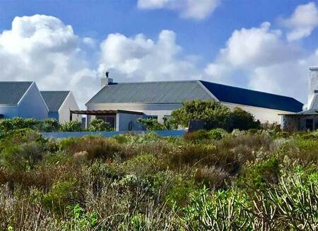 3 Bed House in Grotto Bay