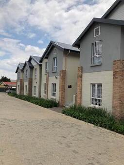 2 Bed Townhouse in Malanshof