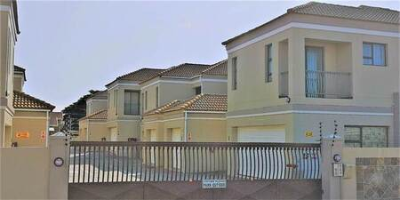 3 Bed Townhouse in Wavecrest