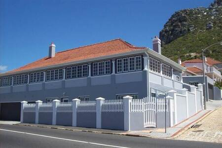 3 Bed Apartment in Kalk Bay
