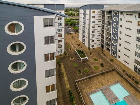 0.5 Bedroom Apartment / Flat For Sale in Claremont