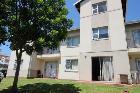 1 Bed Townhouse in Beacon Bay