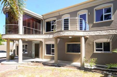 4 Bed House in Panorama