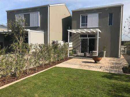 3 Bed Townhouse in Somerset Lakes