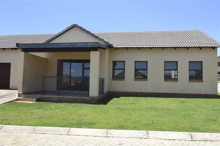 3 Bed Apartment in Lydenburg