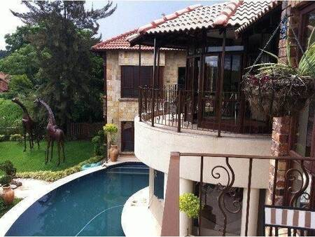 6 Bed House in White River Country Estate