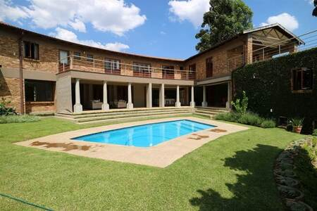5 Bed House in White River Country Estate