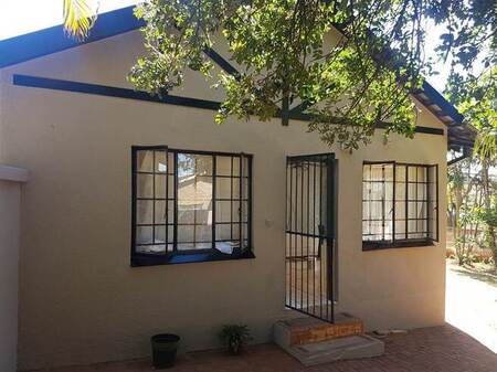3 Bed House in Kingsview