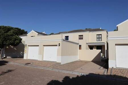 2 Bed Townhouse in Royal Ascot