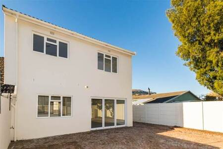 3 Bed House in Sun Valley