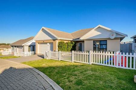 3 Bed Townhouse in Glenroy Park