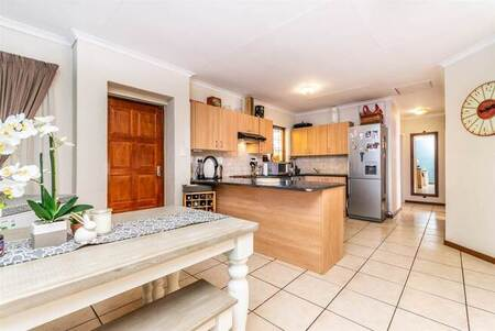 3 Bed House in Bloubosrand