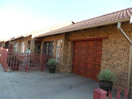 3 Bed Townhouse in Riversdale