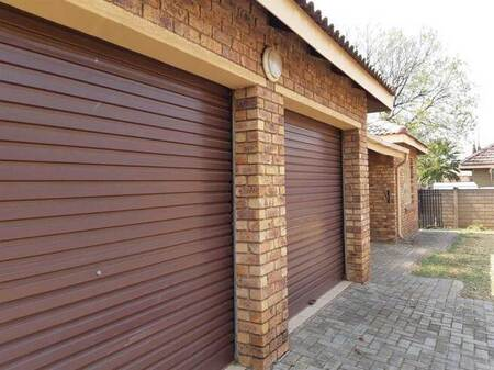 3 Bed Townhouse in Meyerton