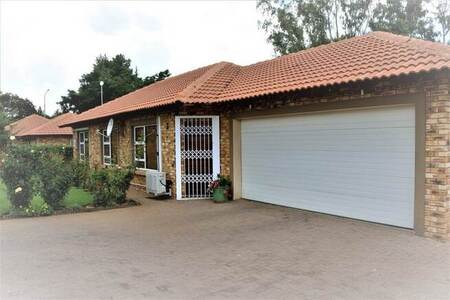2 Bed Townhouse in Meyerton South