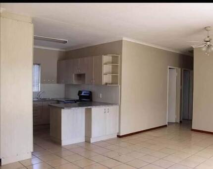 2 Bed Townhouse in Fairbridge Heights