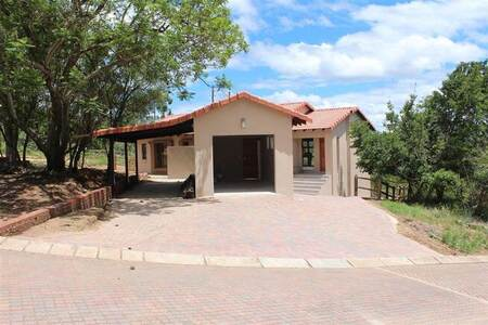 3 Bed House in Wild Fig Estate