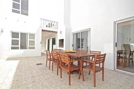 4 Bed House in Sunset Beach