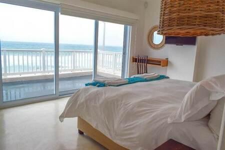 4 Bed House in Umdloti Beach