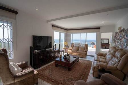 5 Bed Apartment in Westbrook