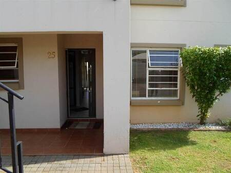 3 Bed Townhouse in Henley on Klip