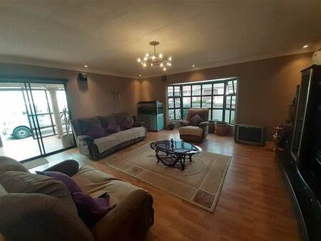 4 Bed House in Malabar
