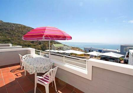 1 Bed Apartment in Simons Town
