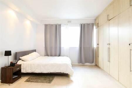 Studio Apartment in Mouille Point