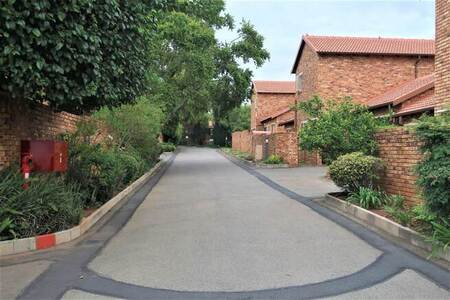 3 Bed Townhouse in Sundowner