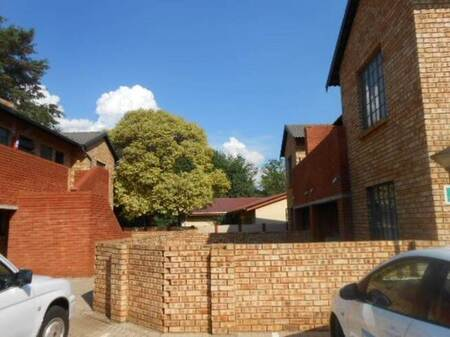 2 Bed Townhouse in Meyerton Central