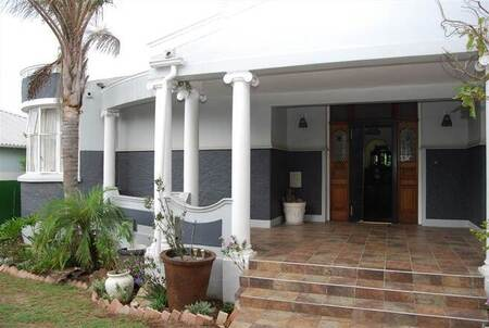 4 Bed House in Mount Croix