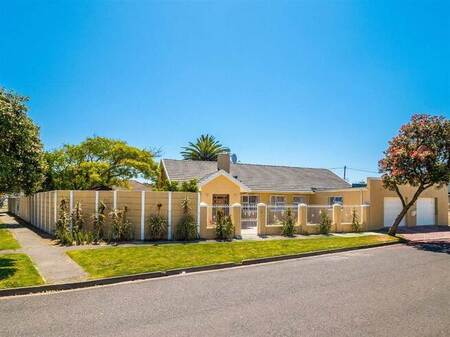 4 Bed House in Thornton