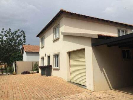 4 Bed House in Amberfield