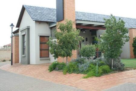 1 Bed Townhouse in Midstream Estate