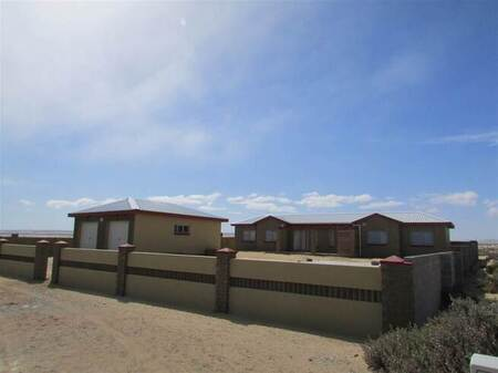 2 Bed Townhouse in Port Nolloth