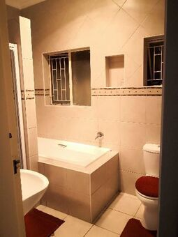 Room to rent in a House in Boston, Bellville - Available Immediately