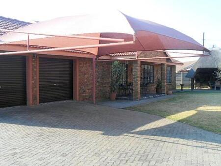 For sale of townhouse in Riversdale, Meyerton