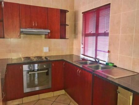 1 Bed Room Aparment / Unit to Rent Zwartkop Golf Estate