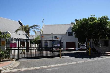 4 Bed House in Stellenbosch Central