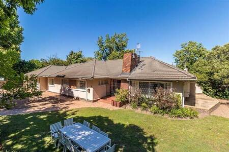 9 Bed House in Stellenbosch Central
