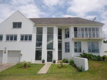 6 Bed House in Cove Rock