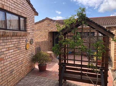 3 Bed Townhouse in South End