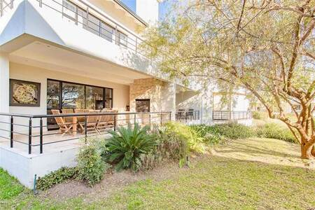 4 Bed House in Pearl Valley