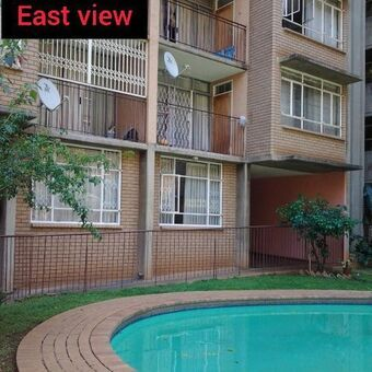 Very neat 2 bedroom flat to let
