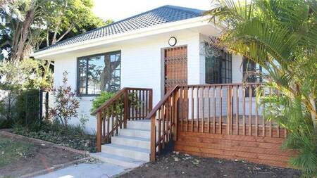 5 Bed House in Beacon Bay
